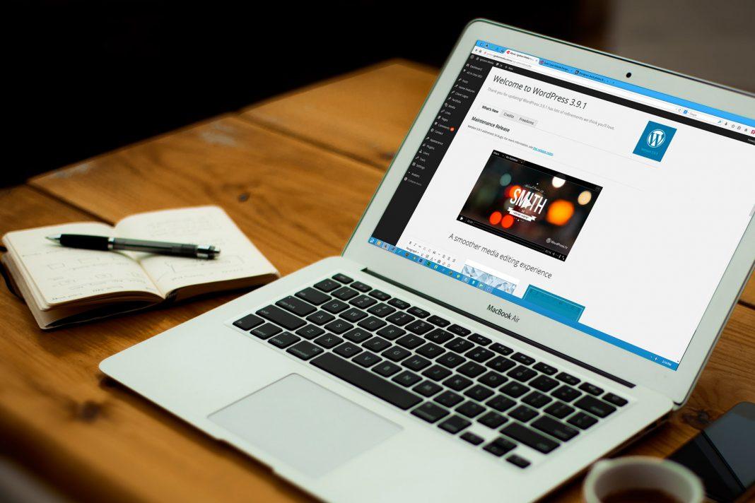 Khi đại lý bán vé máy bay quyết định tạo website bán hàng sẽ khác hoàn toàn với việc bán hàng trên facebook.