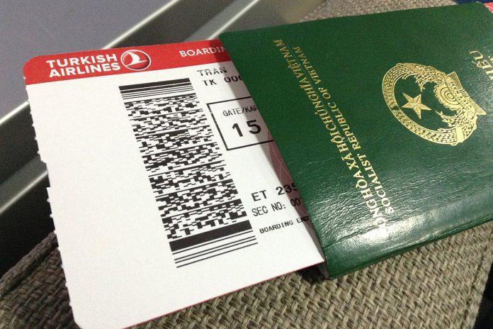 Đại lý bán vé máy bay cần lưu ý gì khi xuất vé cho khách hàng?